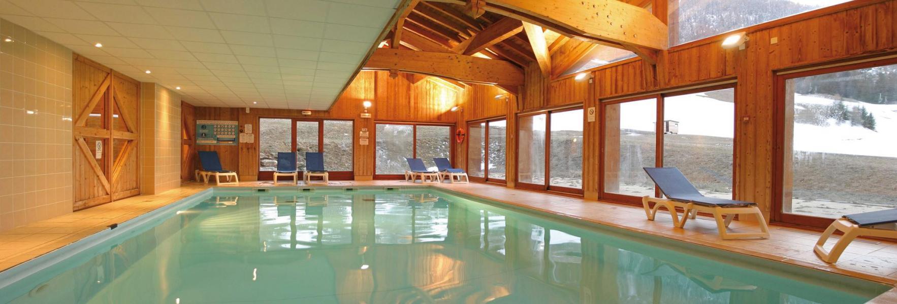 Location au ski Residence Lagrange Les Valmonts De Val Cenis - Val Cenis - Piscine