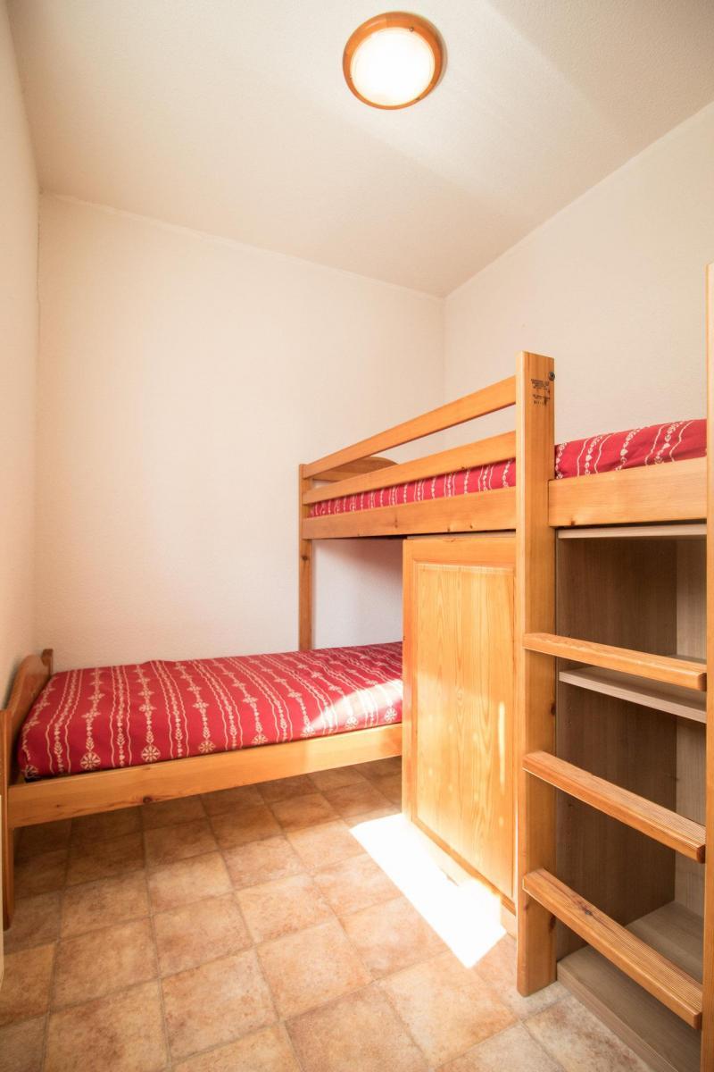 Location au ski Appartement 3 pièces 6 personnes (B15) - Résidence le Bonheur des Pistes - Val Cenis - Lits superposés
