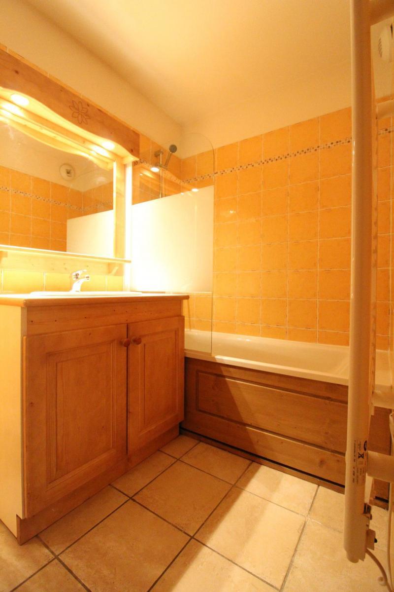 Location au ski Appartement 3 pièces 6 personnes (B33) - Résidence le Bonheur des Pistes - Val Cenis - Baignoire
