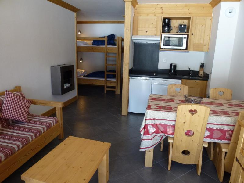 Rent in ski resort 2 room apartment 4 people - Residence Le Criterium - Val Cenis - Living room