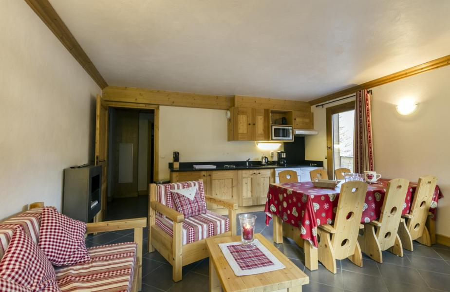 Rent in ski resort 4 room apartment 6 people - Residence Le Criterium - Val Cenis - Living room