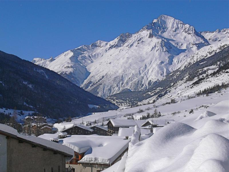 Rent in ski resort Residence Le Criterium - Val Cenis - Winter outside