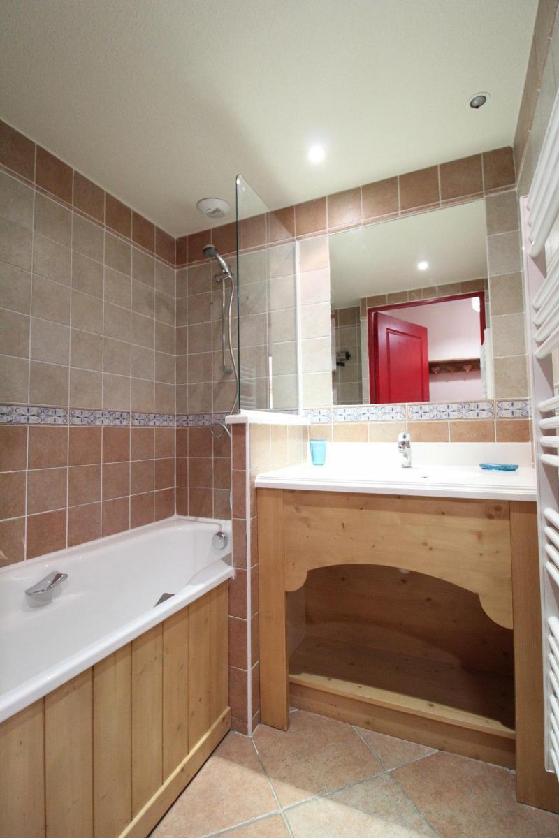 Аренда на лыжном курорте Апартаменты 3 комнат 6 чел. (E222) - Résidence les Alpages - Val Cenis - Ванна