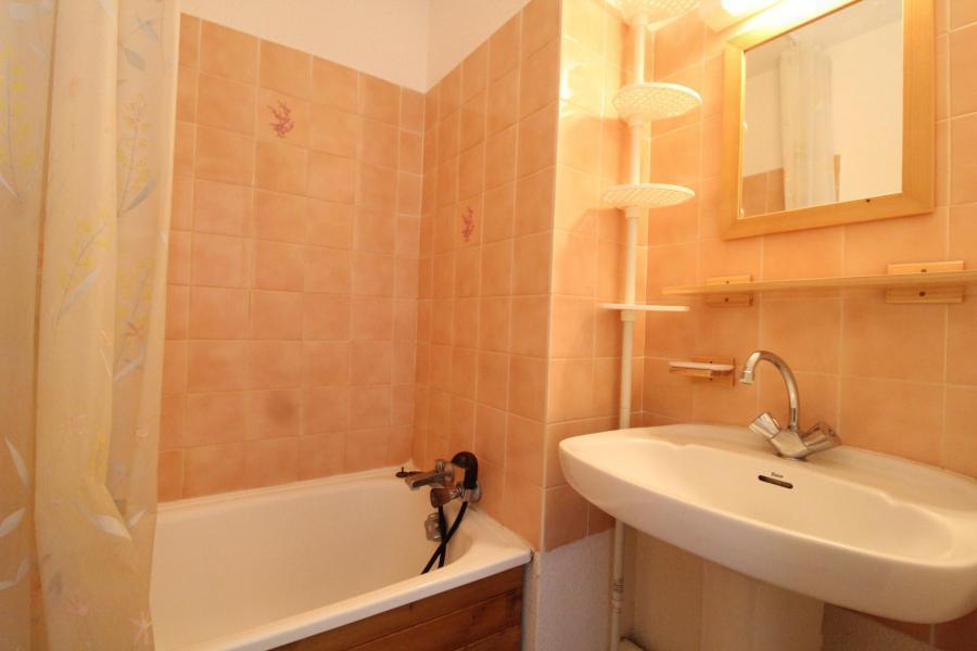 Location au ski Studio coin montagne 3 personnes (010) - Residence Pres Du Bois - Val Cenis - Salle de bains