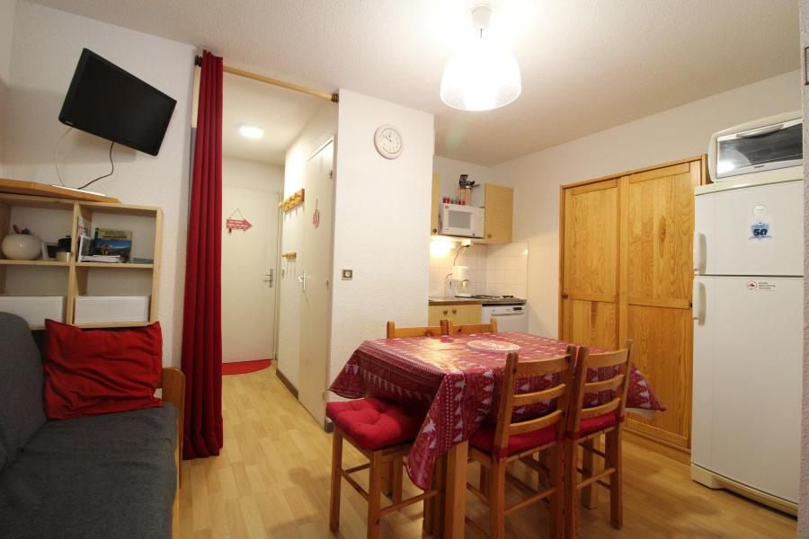 Аренда на лыжном курорте Квартира студия со спальней для 4 чел. (022) - Résidence Triade - Val Cenis - Стол