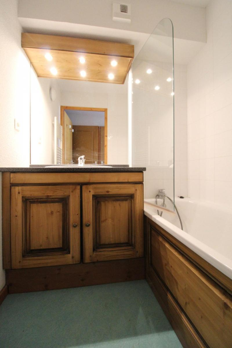 Location au ski Appartement 3 pièces 6 personnes (G22) - Résidence Valmonts - Val Cenis - Baignoire