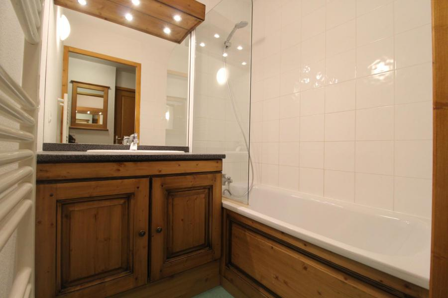 Location au ski Appartement 3 pièces 6 personnes (VALA11) - Résidence Valmonts - Val Cenis - Baignoire