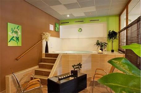 Location au ski Hotel Club Mmv Le Val Cenis - Val Cenis - Bain à remous