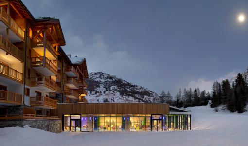 Location au ski Residence Les Chalets De Flambeau - Val Cenis - Extérieur hiver