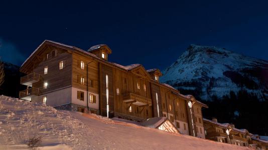Vacances en montagne Résidence les Chalets de Flambeau - Val Cenis - Extérieur hiver