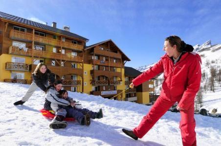 Location au ski Studio 4 personnes - Les Balcons Du Soleil - Val d'Allos - Extérieur hiver