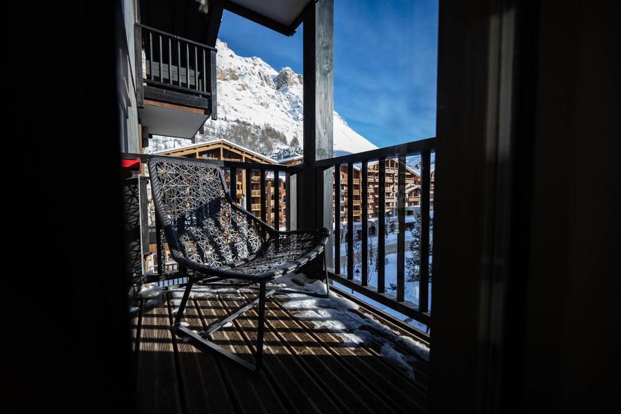 Rent in ski resort Avenue Lodge Hôtel - Val d'Isère - Balcony