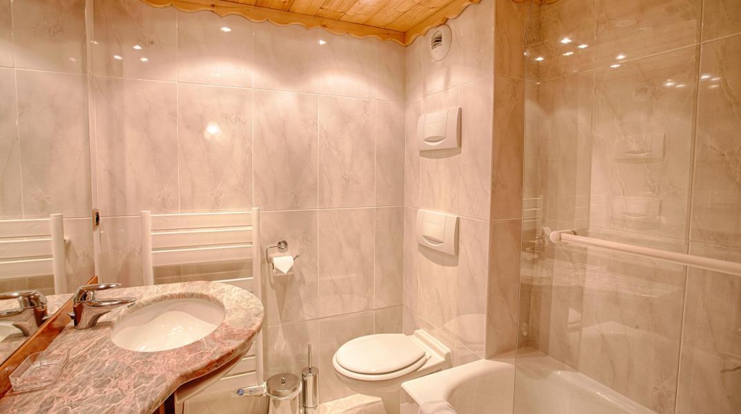 Rent in ski resort Chalet Alexandre - Val d'Isère - Bathroom