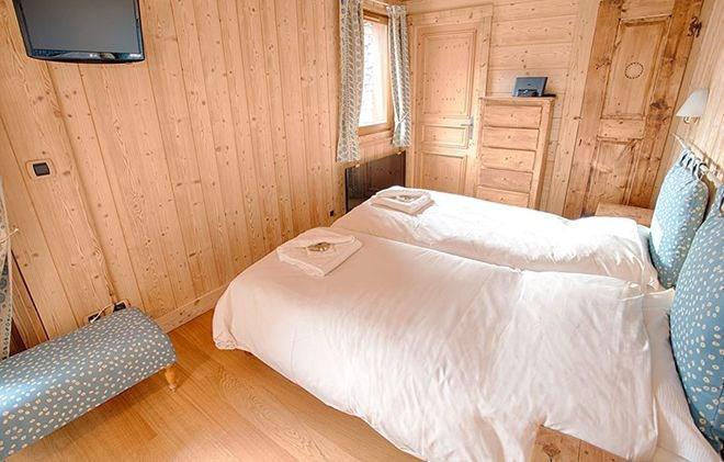 Rent in ski resort Chalet Alexandre - Val d'Isère - Bedroom