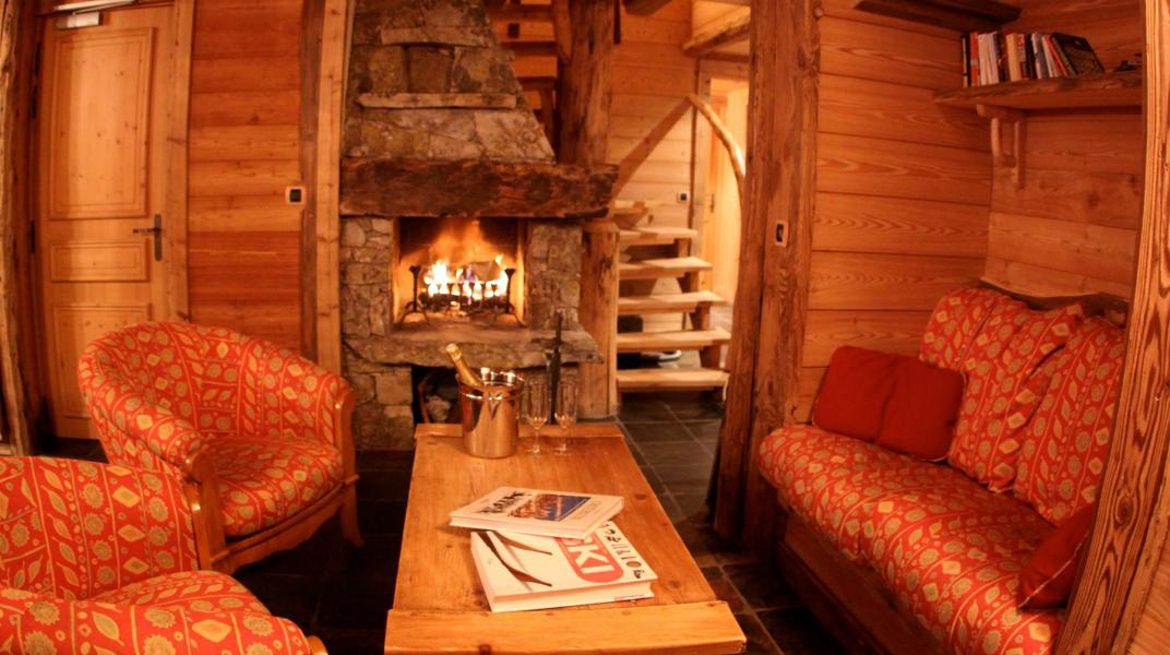 Rent in ski resort Chalet Alexandre - Val d'Isère - Fireplace