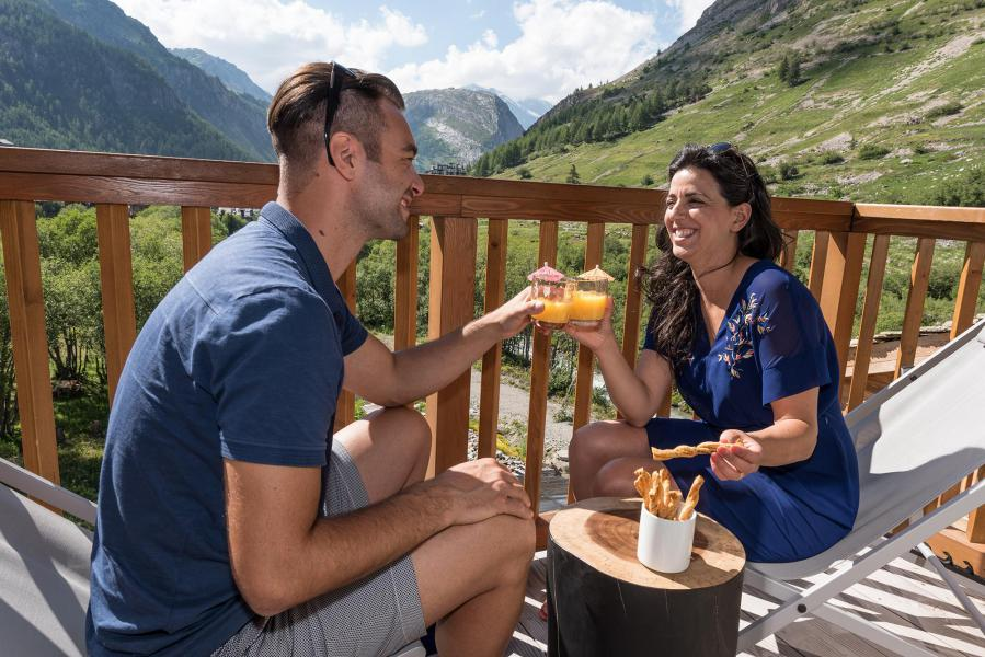 Rent in ski resort Chalet Skadi - Val d'Isère - Balcony