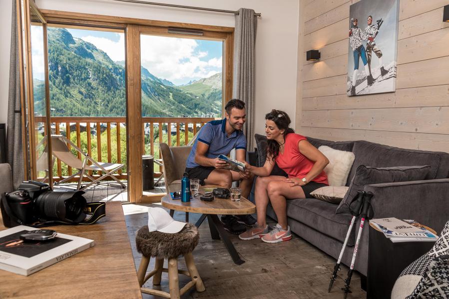 Skiverleih Chalet Skadi - Val d'Isère - Wohnzimmer
