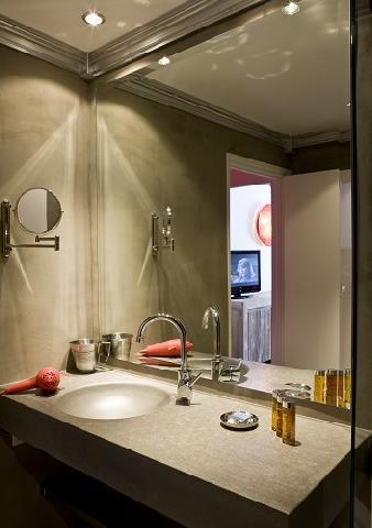 Wynajem na narty Hôtel Ormelune - Val d'Isère - Umywalką