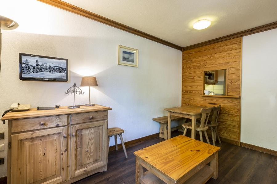Skiverleih Résidence Alpina Lodge - Val d'Isère - Wohnzimmer