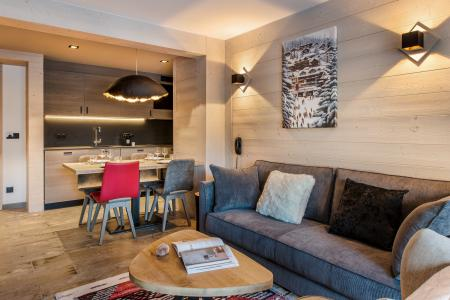 Rent in ski resort Chalet Skadi - Val d'Isère - Settee