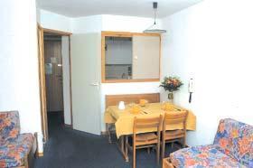 Location au ski Studio cabine 4 personnes - Residence Les Verdets - Le Jardin De Val - Val d'Isère - Coin séjour