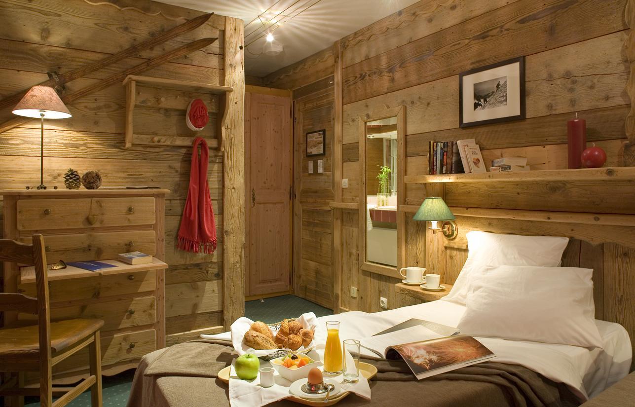 Chambre quadruple 4 adultes de 13 ans val thorens - Location chambre hotel au mois ...