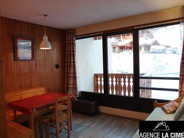 Location au ski Studio 4 personnes (109) - La Residence Les Neves - Val Thorens - Table