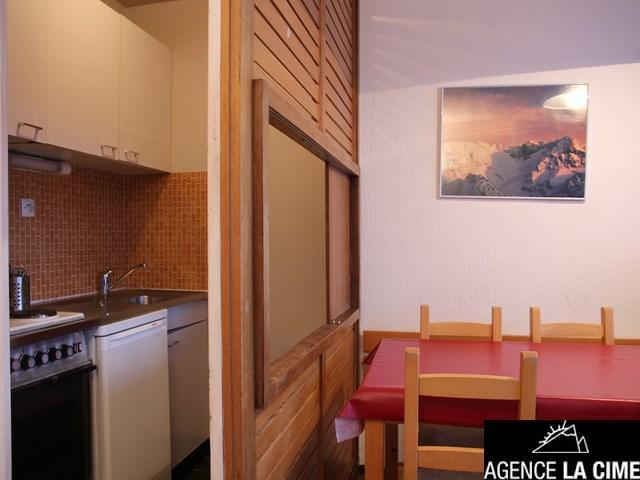 Location au ski Studio 4 personnes (123) - La Residence Les Neves - Val Thorens - Canapé