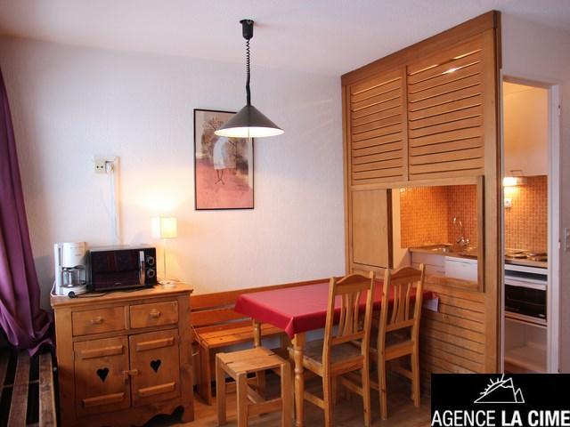 Location au ski Studio 4 personnes (153) - La Residence Les Neves - Val Thorens - Canapé-gigogne