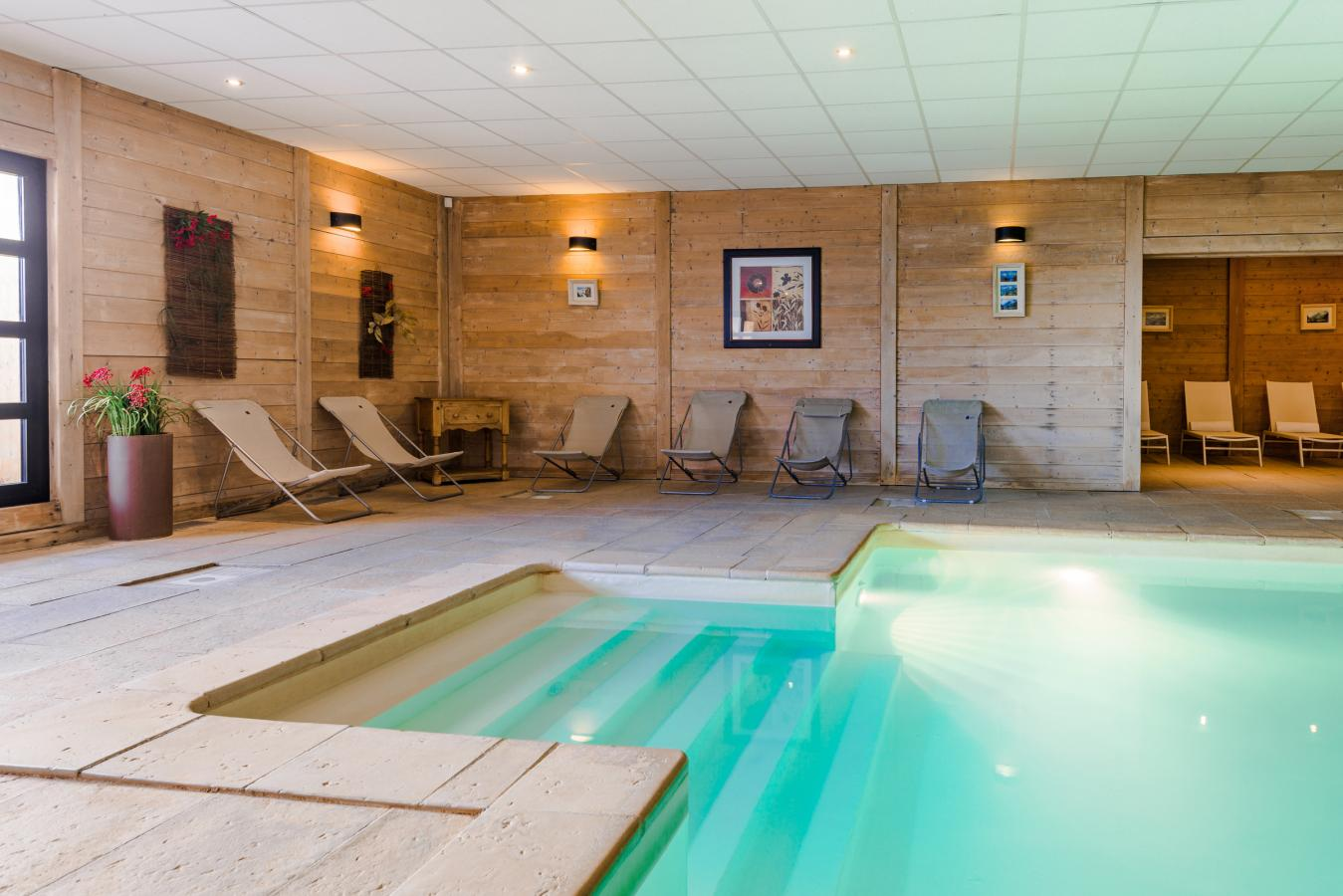 Les chalets de rosa l val thorens location vacances ski for Piscine val thorens