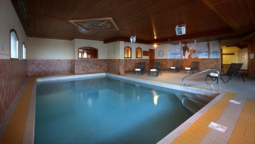 Appartement 4 pi ces 6 personnes b timent piscine val for Piscine val thorens