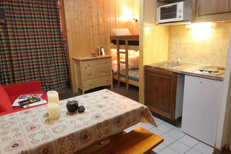 Location au ski Studio cabine 4 personnes (2100) - Residence Cimes De Caron - Val Thorens - Séjour