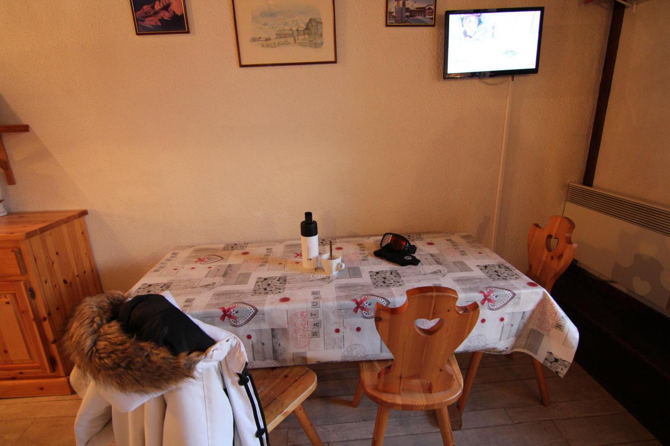 Location au ski Studio 4 personnes (609) - Residence Le Lac Blanc - Val Thorens - Canapé