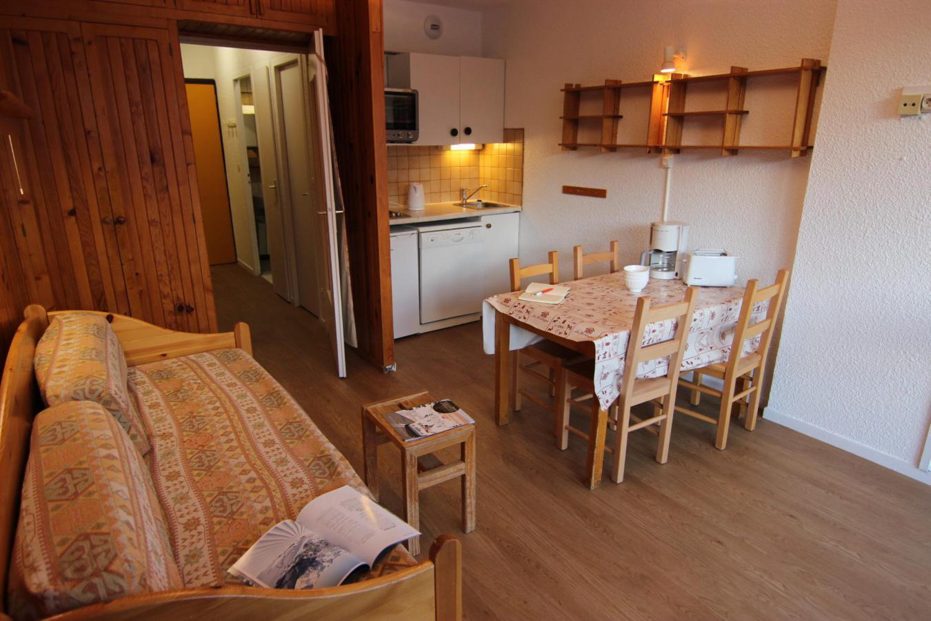 Location au ski Studio 4 personnes (10) - Residence Le Lac Du Lou - Val Thorens - Kitchenette