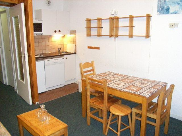 Location au ski Studio 4 personnes (10) - Residence Le Lac Du Lou - Val Thorens - Table