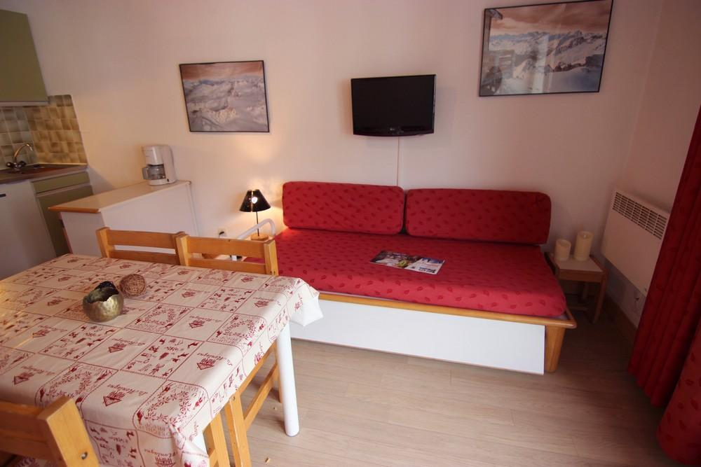 Location au ski Studio 4 personnes (209) - Residence Le Schuss - Val Thorens - Table