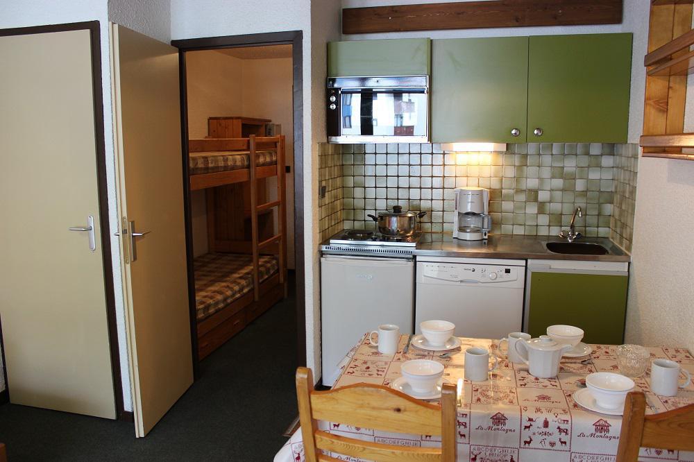 Location au ski Studio 4 personnes (406) - Residence Le Schuss - Val Thorens - Séjour