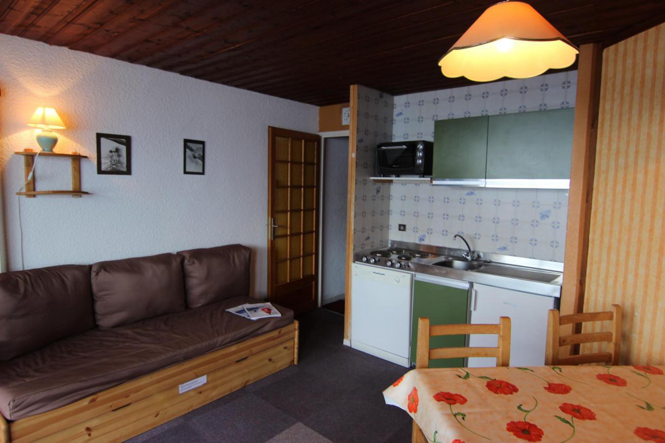 Location au ski Studio cabine 4 personnes (N2) - Residence Le Serac - Val Thorens - Table