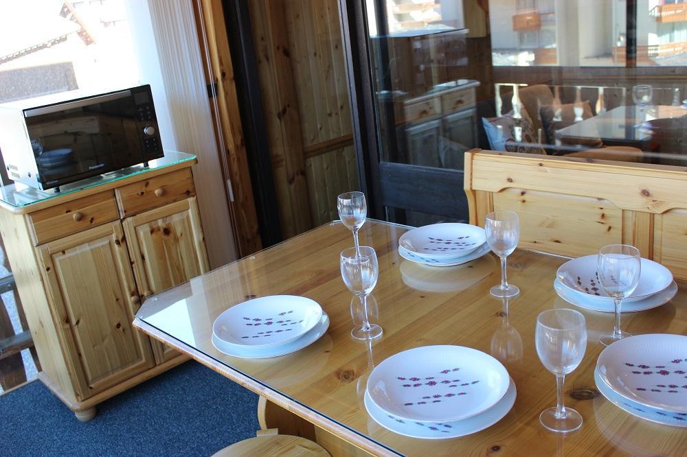 Location au ski Studio cabine 5 personnes (G2) - Residence Le Serac - Val Thorens - Canapé
