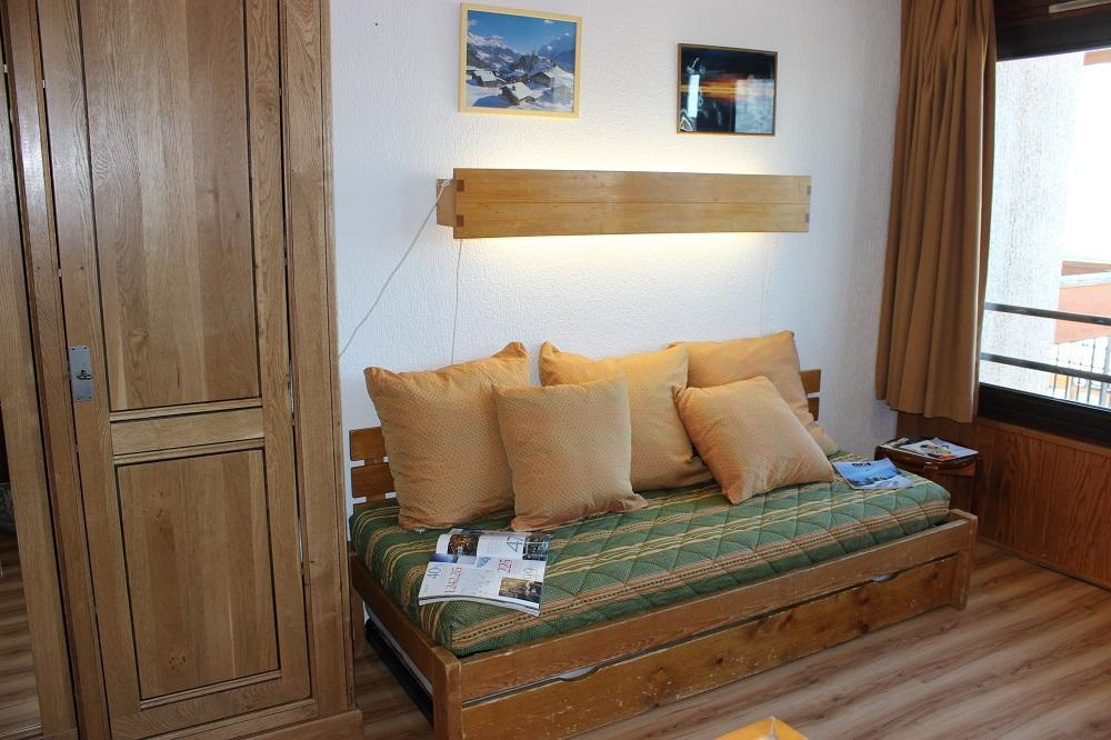 Location au ski Studio 4 personnes (66) - Residence Neves - Val Thorens - Canapé