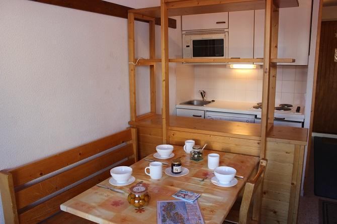 Location au ski Studio 3 personnes (82) - Residence Reine Blanche - Val Thorens - Table