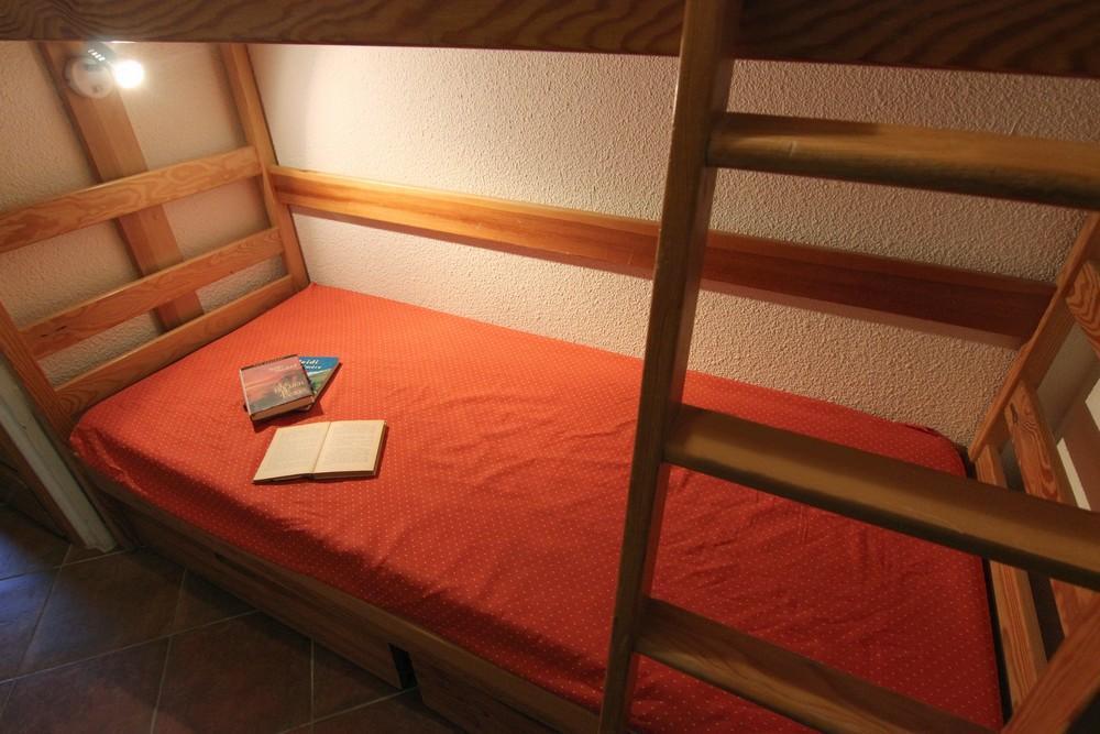 Location au ski Studio 2 personnes (124) - Residence Roche Blanche - Val Thorens - Canapé