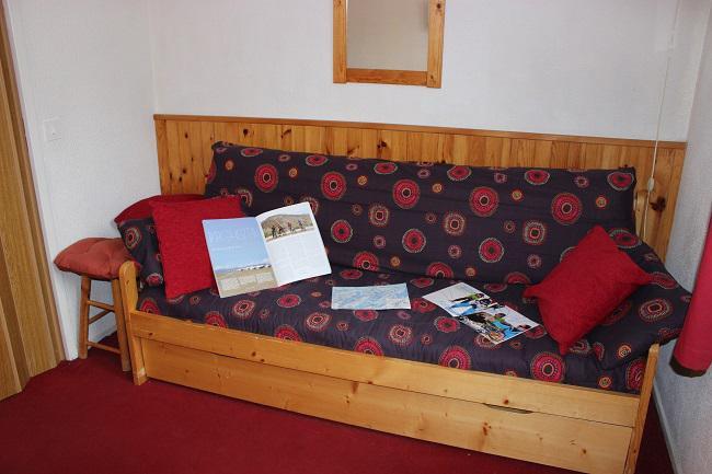 Location au ski Studio 2 personnes (125) - Residence Roche Blanche - Val Thorens - Canapé