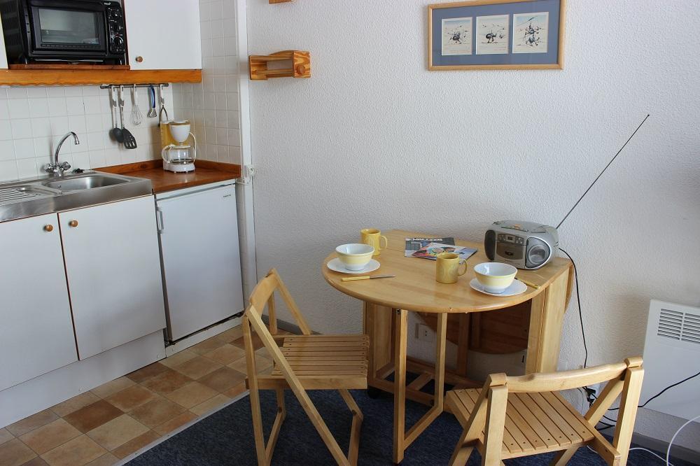 Location au ski Studio 2 personnes (126) - Residence Roche Blanche - Val Thorens - Coin repas