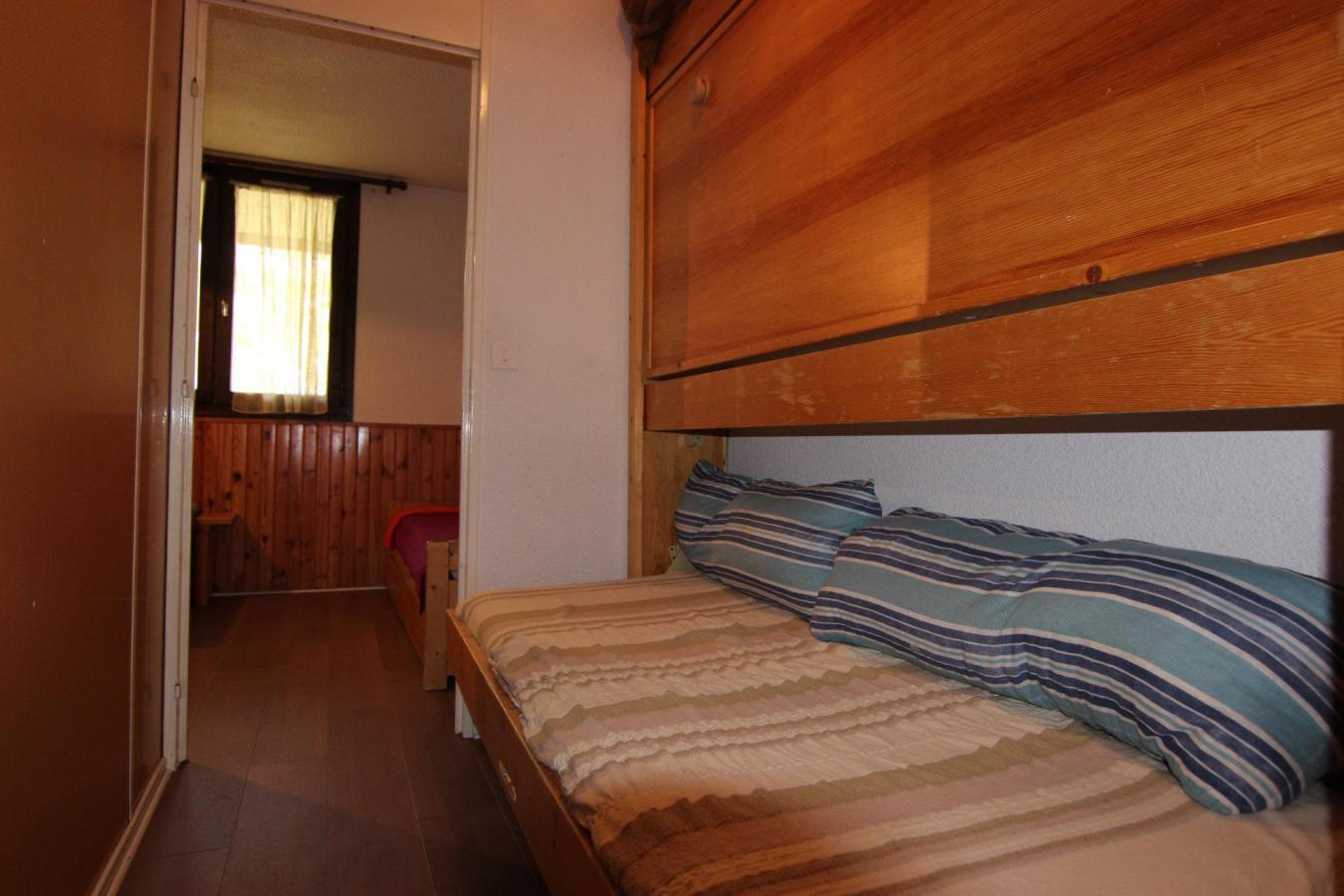 Location au ski Studio 2 personnes (145) - Residence Roche Blanche - Val Thorens - Canapé
