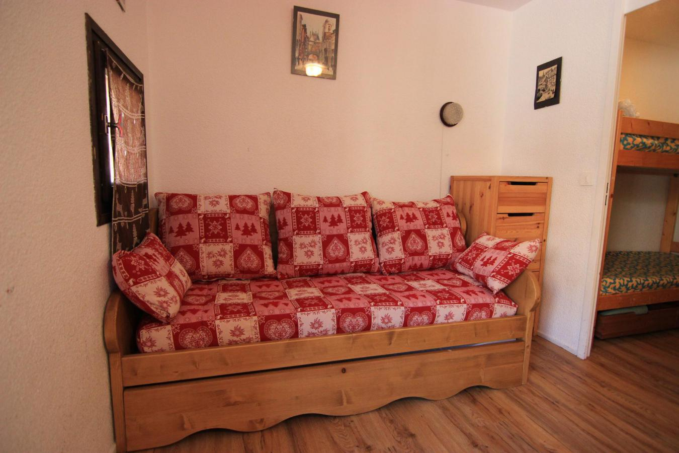 Location au ski Studio 2 personnes (156) - Residence Roche Blanche - Val Thorens - Table