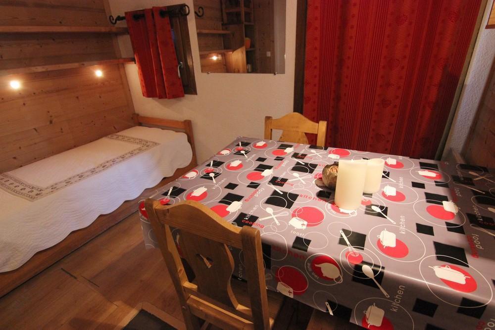 Location au ski Studio 2 personnes (159) - Residence Roche Blanche - Val Thorens - Canapé