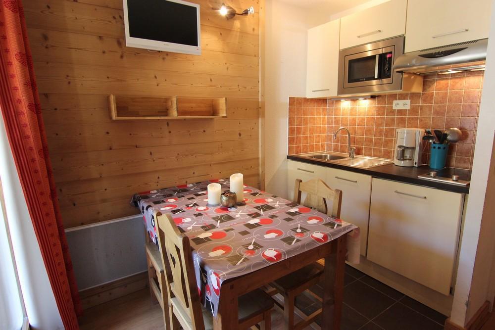 Location au ski Studio 2 personnes (159) - Residence Roche Blanche - Val Thorens - Table
