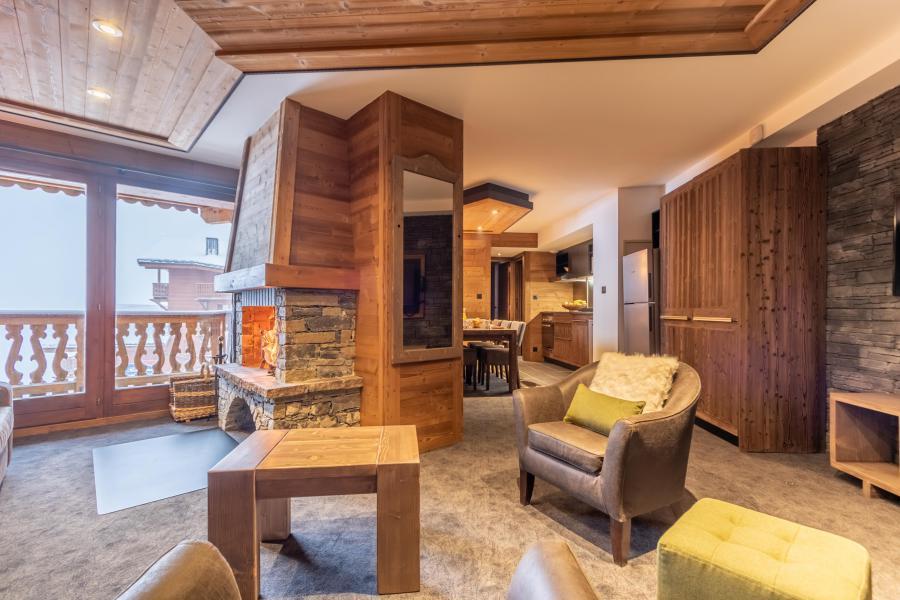 Location au ski Appartement 4 pièces 6 personnes - Chalet Altitude - Val Thorens - Cheminée