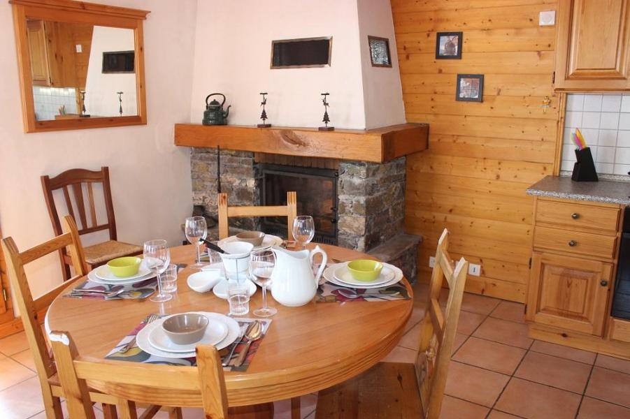 Location au ski Appartement 2 pièces 5 personnes (4) - Chalet Emeraude - Val Thorens - Table